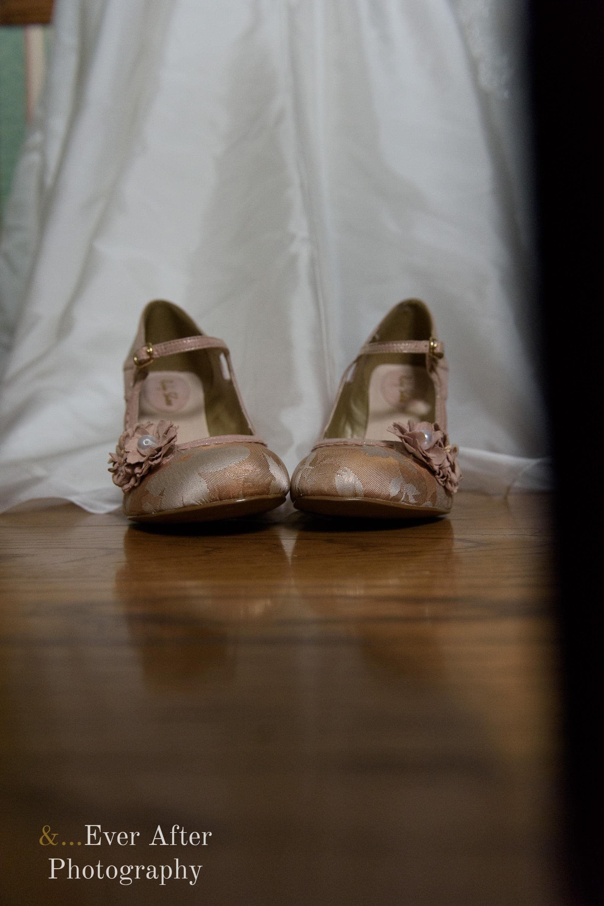 wedding shoes, bride shoes, wedding dress