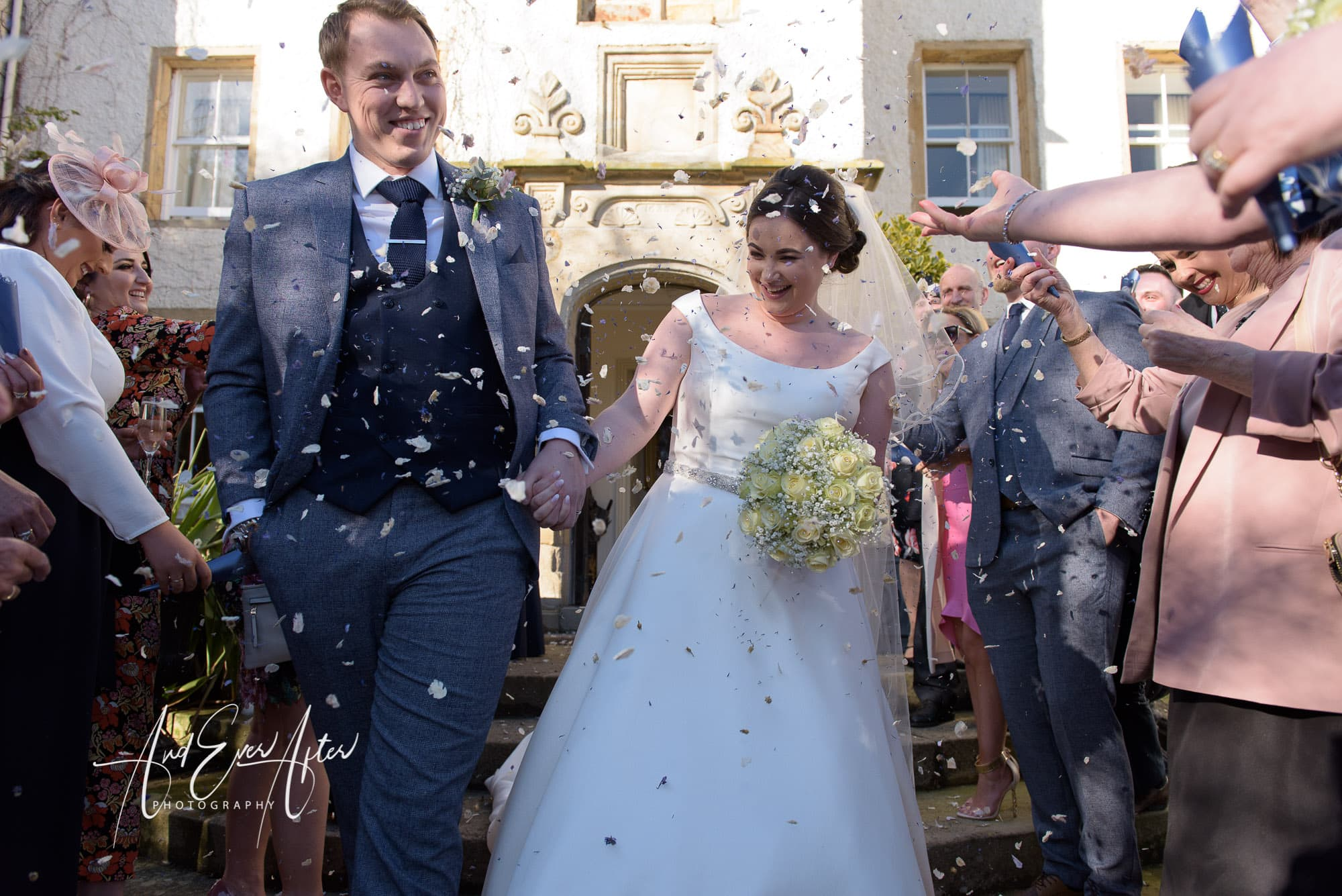 bride, groom confetti