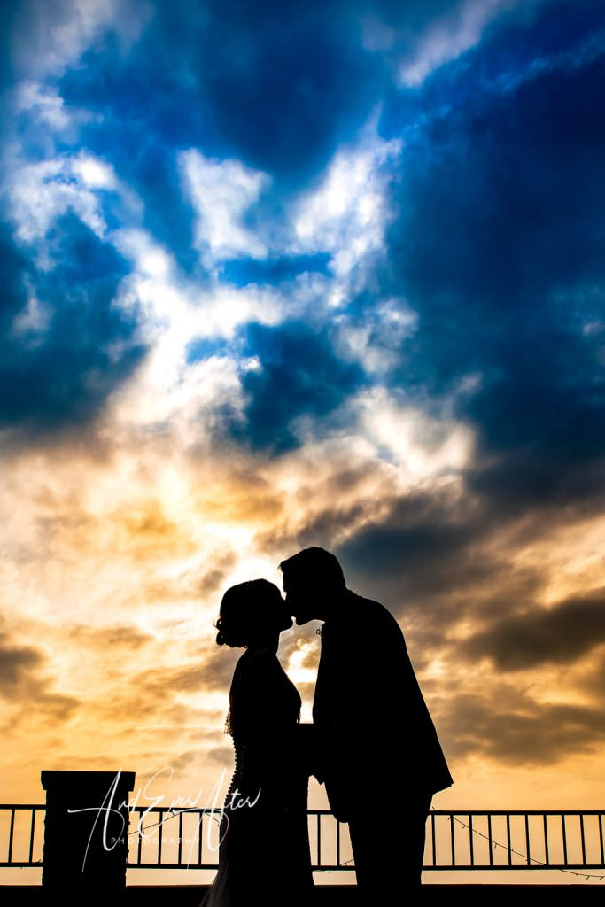 Thief hall wedding photographer - bride and groom silhouette photo