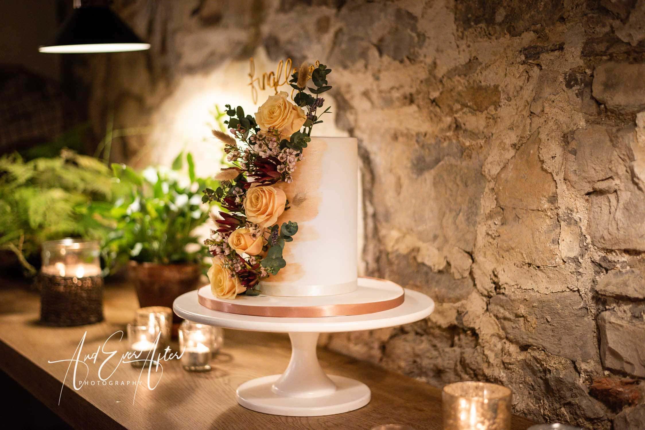 wedding cake at Middleton Lodge